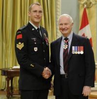 Sgt Dale Kurdziel Medal of Bravery / Médaille de la bravoure