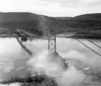 Peace River Suspension Bridge