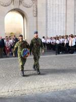 Capt Leblanc and Maj Monette-Saillant lay a wreath at Menin Gate on behalf of the Canadian Military Engineers and the Royal Canadian Engineers.