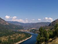 Columbia River looking north towards Trail // Fleuve Columbia, vue vers le nord en direction de Trail