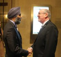 Minister Harjitt Sajjan, Minister of National Defence and Daniel Gosselin, President CDA Institute // L'honorable Harjitt Sajjan, ministre de la Défense nationale, et M. Daniel Gosselin, président de l'ICAD
