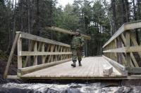 A bridge was built in Rockwood Park for the local community during Exercise Nihilo Sapper in November 2015. // Un pont a été construit au parc Rockwood pour la communauté locale par 4 RAG. Photo: l'Adj Jerry Kean