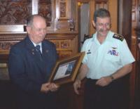 MGen Ed Fitch presenting Mr. Neale with his 45 Years Service Certificate //  Le mgén Ed Fitch présente le certificat de 45 années de service à M. Neale