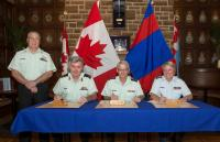 From left to right: CWO Kevin Patterson, BGen Karl McQuillan, BGen (Retired) Steve Irwin (Colonel Commandant) and LGen Christine Whitecross // De gauche à droite : Adjuc Kevin Patterson, Bgén Karl McQuillan, Bgén (retraité) Steve Irwin (Colonel commandant) et la Lgén Christine Whitecross
