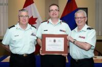 CWO K.A. Patterson (CME Branch CWO), Col R.N.H. Dickson and the CME Branch Col Cmdt, BGen S.M. Irwin (Ret'd). Presentation date: 7 May 2015/L'Adjuc K.A. Patterson (Adjuc de la Branche du GMC), le Col R.N.H. Dickson et le Col Cmdt d de la Branche du GMC, le Bgén S.M. Irwin (à la retraite). Date de la présentation : 7 mai 2015