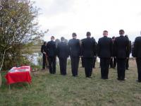 Burying the ashes of Don Somerville at the crossing point on the north side of the Neder Rijn.