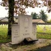 Sgt Dearle's gravesite in the Field of Honour, Port Alberni, BC