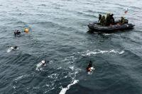 Fleet Diving Unit (Atlantic) clearance divers and 4 ESR members search the waters off the Port of Belledune, N.B., during Ex NIHILO SAPPER 16. Photo: WO Jerry Kean