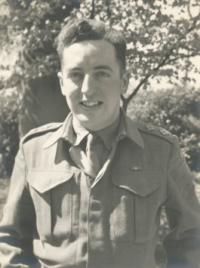 Lieutenant Herb Pragnell, Royal Canadian Engineers. This picture was taken in England in 1944, prior to the Normandy landings.