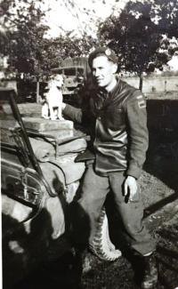 Spr Albert Wells in England 1944