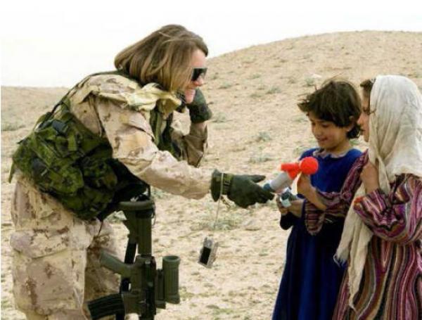 Afghan militaire crochet jusqu'à